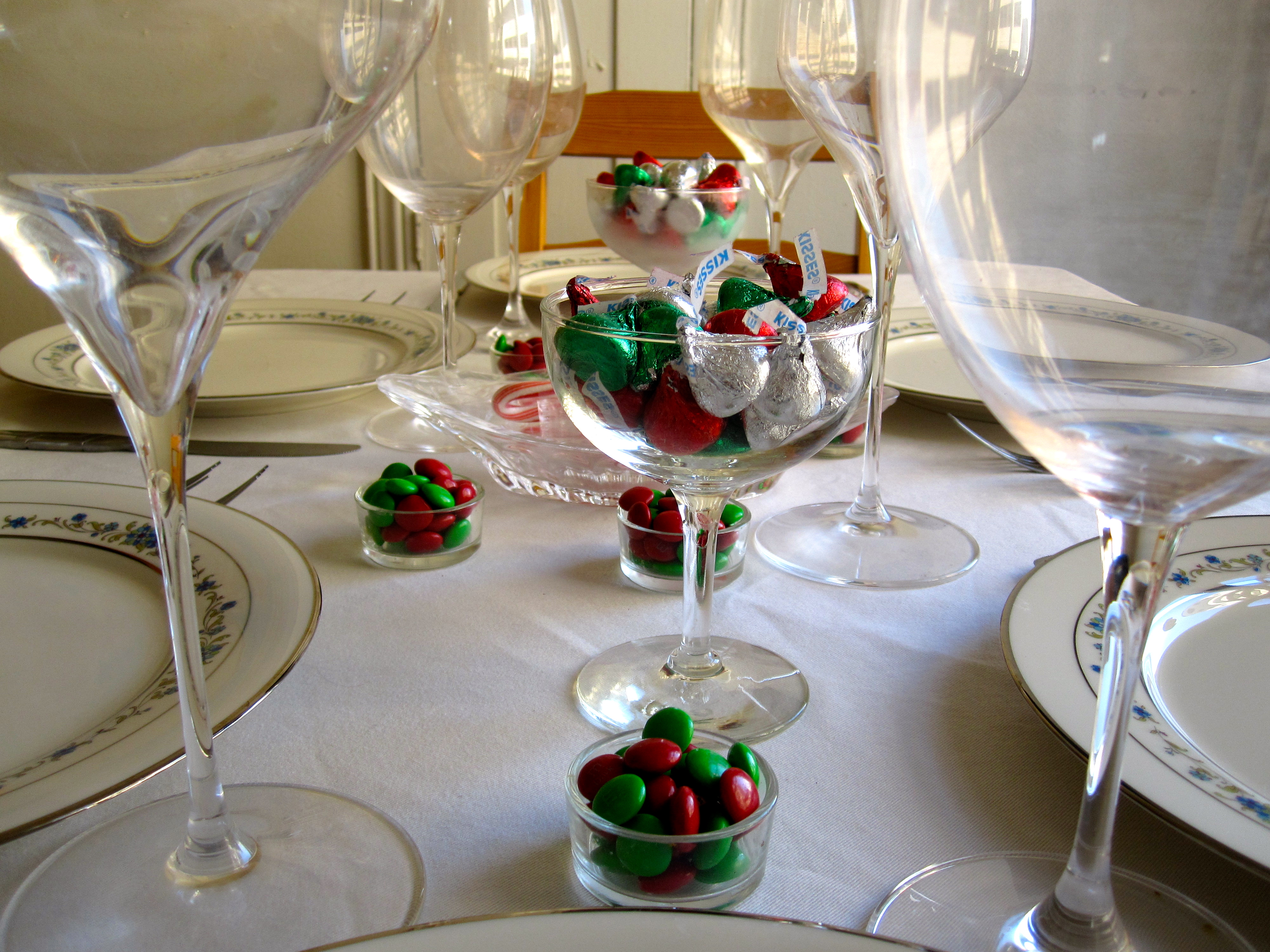 4 easy holiday table decorations six twists