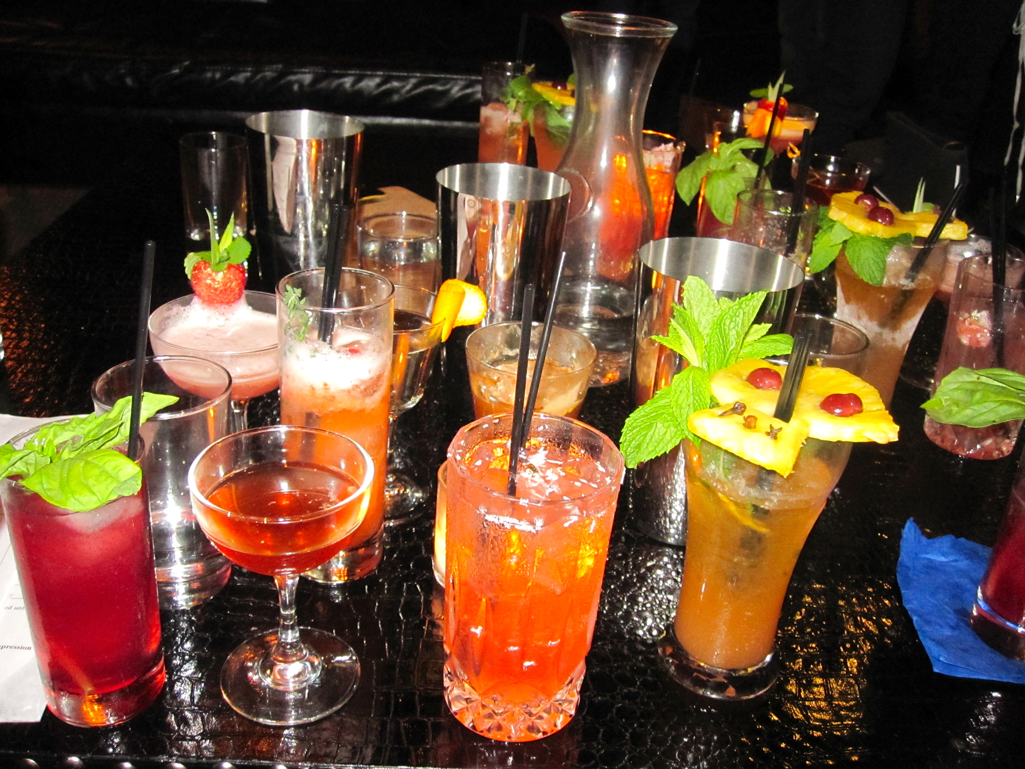 Happy Friday Drinks Images & Pictures - Becuo